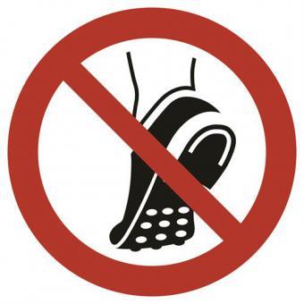 ISO 7010 [P035] Metallbeschlagenes Schuhwerk verboten