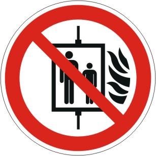 Brandschutzzeichen mit Symbol nach ISO 7010/P020, Aufzug im Brandfall nicht benutzen